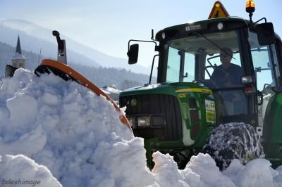 Chasse neige en action au Bourget en Huile