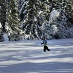 Jeune skieuse sur les pistes du Bourget en Huile