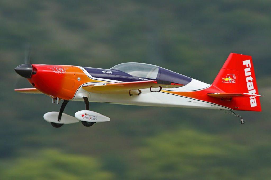 avion club des Raz Mottes